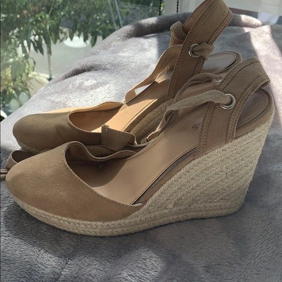 Express Shoes   Espadrilles Only Worn